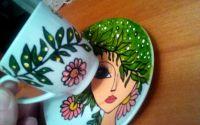 Ceasca cafea pictata fata cu parul verde
