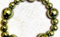 Bratara din perle verzi sidefate
