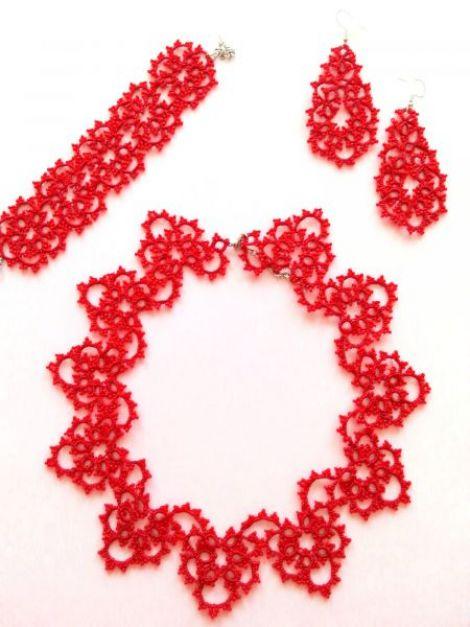 Set bijuterii din dantela rosie lucrata cu suveic