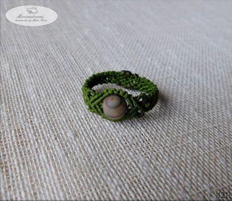 Inel verde cu piatra jasper.