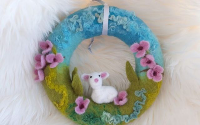 Coronita decorativa de Paste