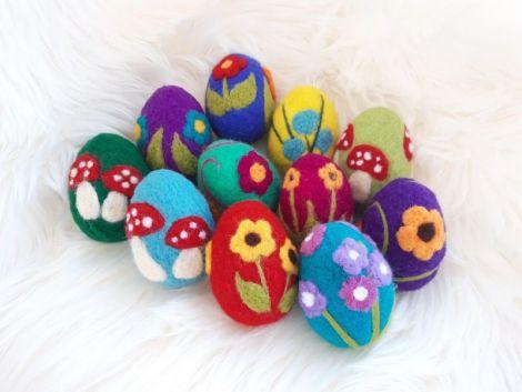 Oua din lana impaslita