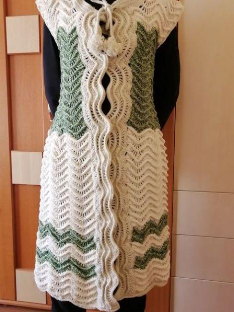 Vesta lunga crosetata
