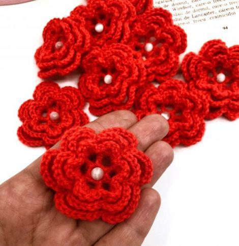 Floare rosie crosetata manual