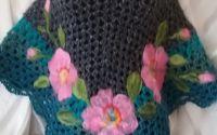 Poncho cu flori impaslite