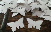 200 fluturi albi