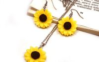 Set cercei si lantisor cu floarea soarelui