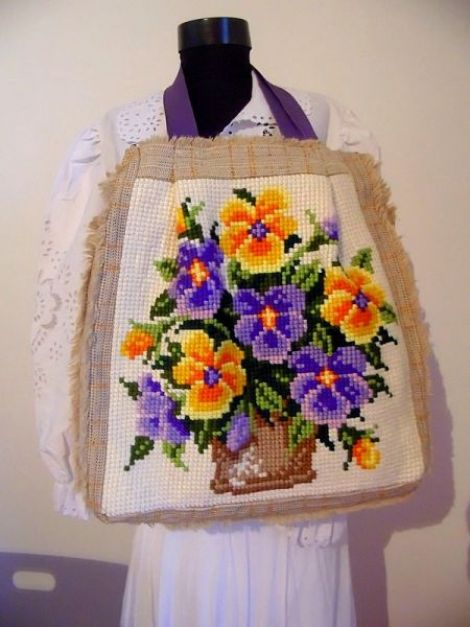 geanta cusuta manual cu flori