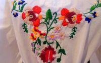 ie cu flori colorate