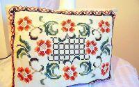 perna cu flori cusuta manual unicat