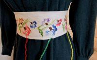 brau centura cusuta cu flori de vara