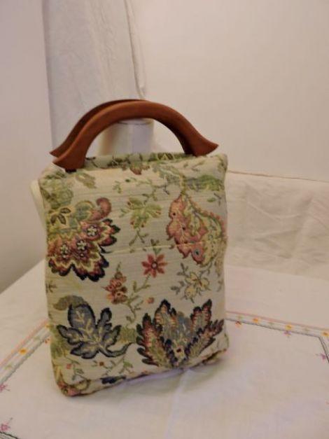 geanta poseta  cu torti lemn colorata