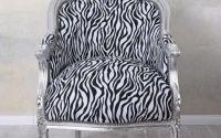 Fotoliu din lemn masiv argintiu cu tapiterie zebra