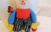 jucarie tricotata manual omulet