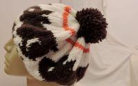 basca bereta caciula alba cu iepuri tricotata man