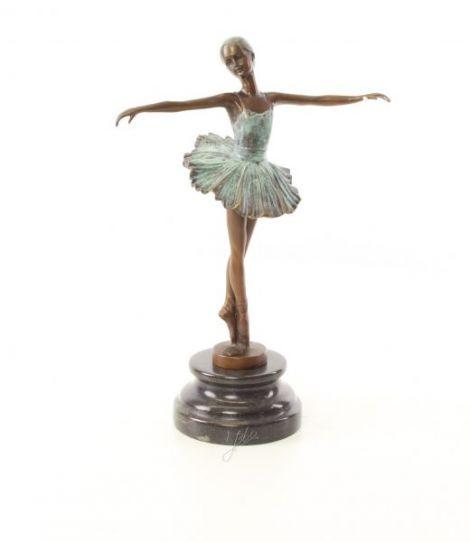Dansatoare  - statueta din bronz pictat