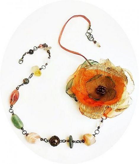 Colier cu agate si floare de toamna