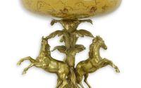 Platou mare din portelan cu doi cai din bronz