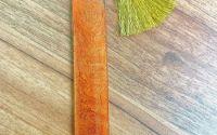 Semn de carte din rasina aramiu cu margareta alba