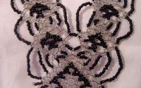 colier negru din margele