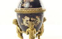 Bomboniera ou din portelan cu ingerasi din bronz