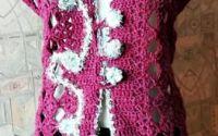 vesta crosetata violet cu arabescuri