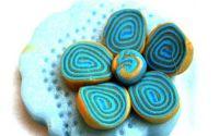 Brosa floare bleu