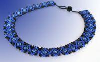 Colier negru cu albastru