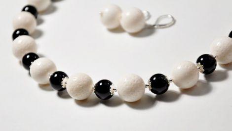 Set coral alb spongios si onix negru