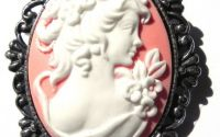 Brosa dama cu flori antichizata