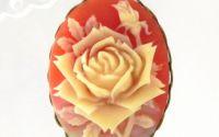 Pandantiv camee trandafir caramiziu