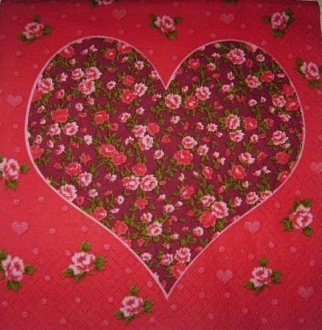 Servetel inima si trandafiri