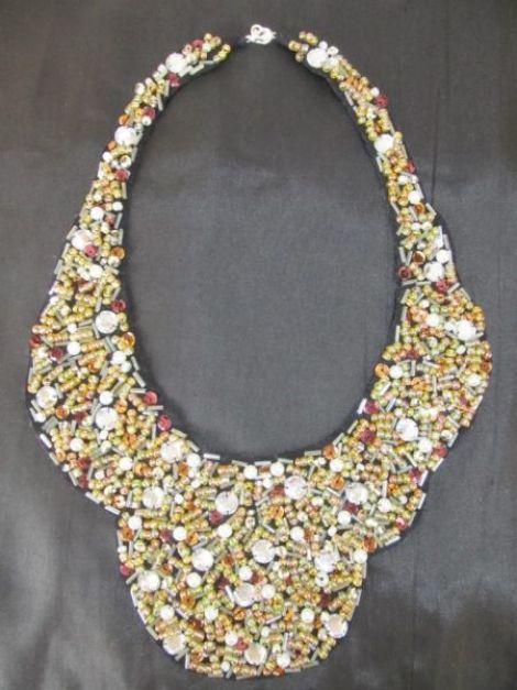 Golden Elegance- colier din margele cusute