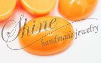 Cabochon oval din rasina portocaliu NEON