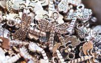 Pandantiv libelula argintiu antichizat